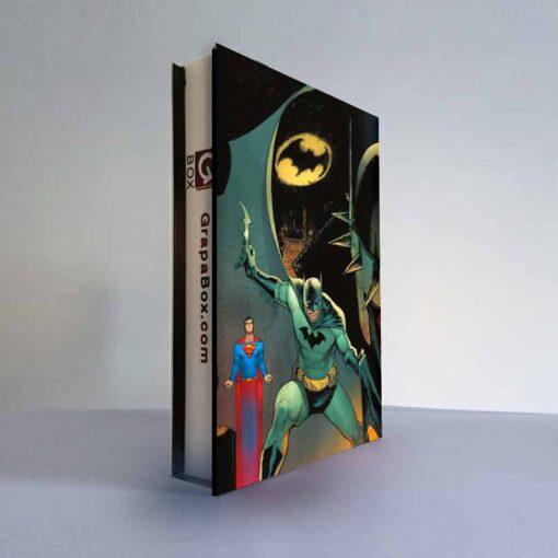 trasera de la grapabox de Batman superman